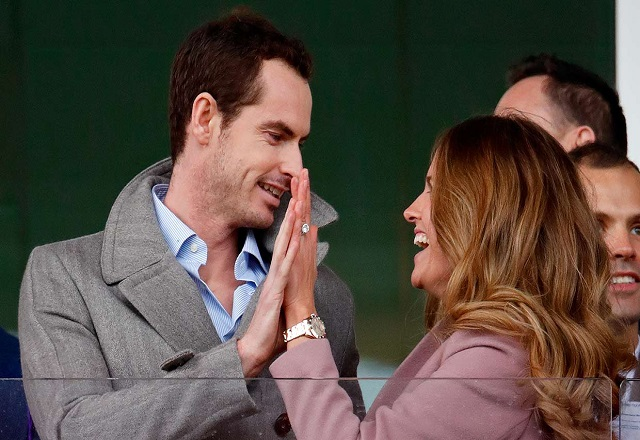 Andy Murray and wife Kim Sears plays love