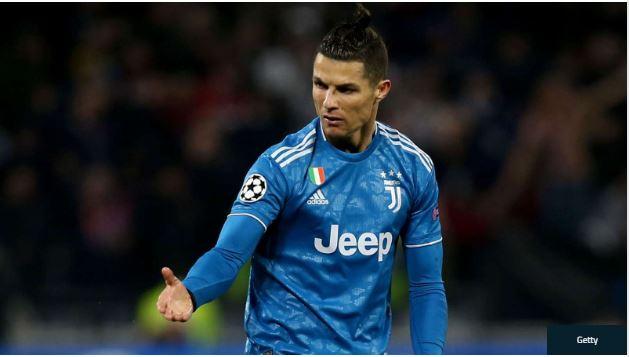 Cristiano Ronaldo hands