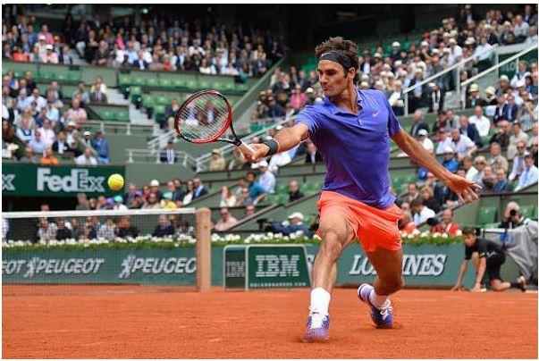 Roger Federer playing