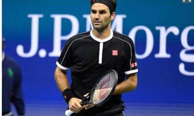 Roger Federer standing