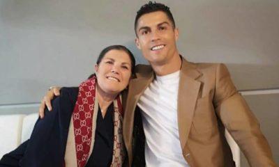 Ronaldo sit wit mum