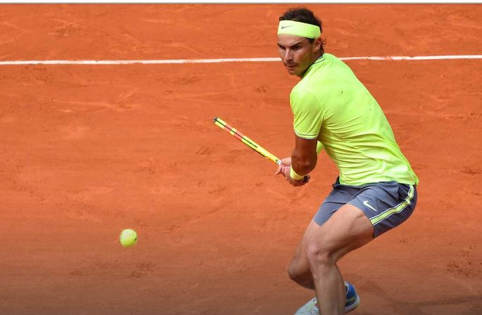 Rafael Nadal play on court