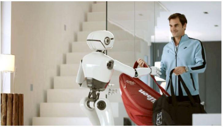 Roger Federer and robot