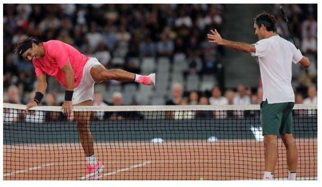 Roger Federer playing nadal