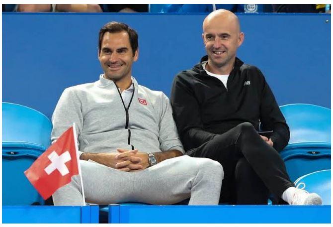 Roger Federer smiling on