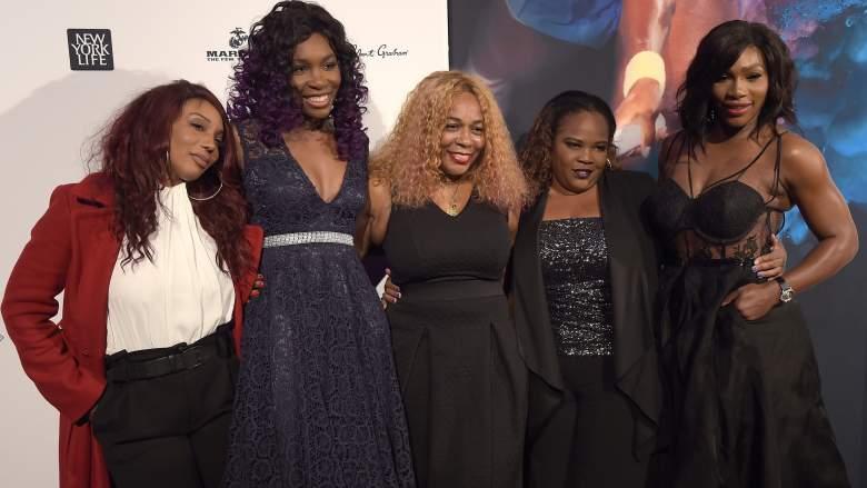 Serena Williams and sisters snap