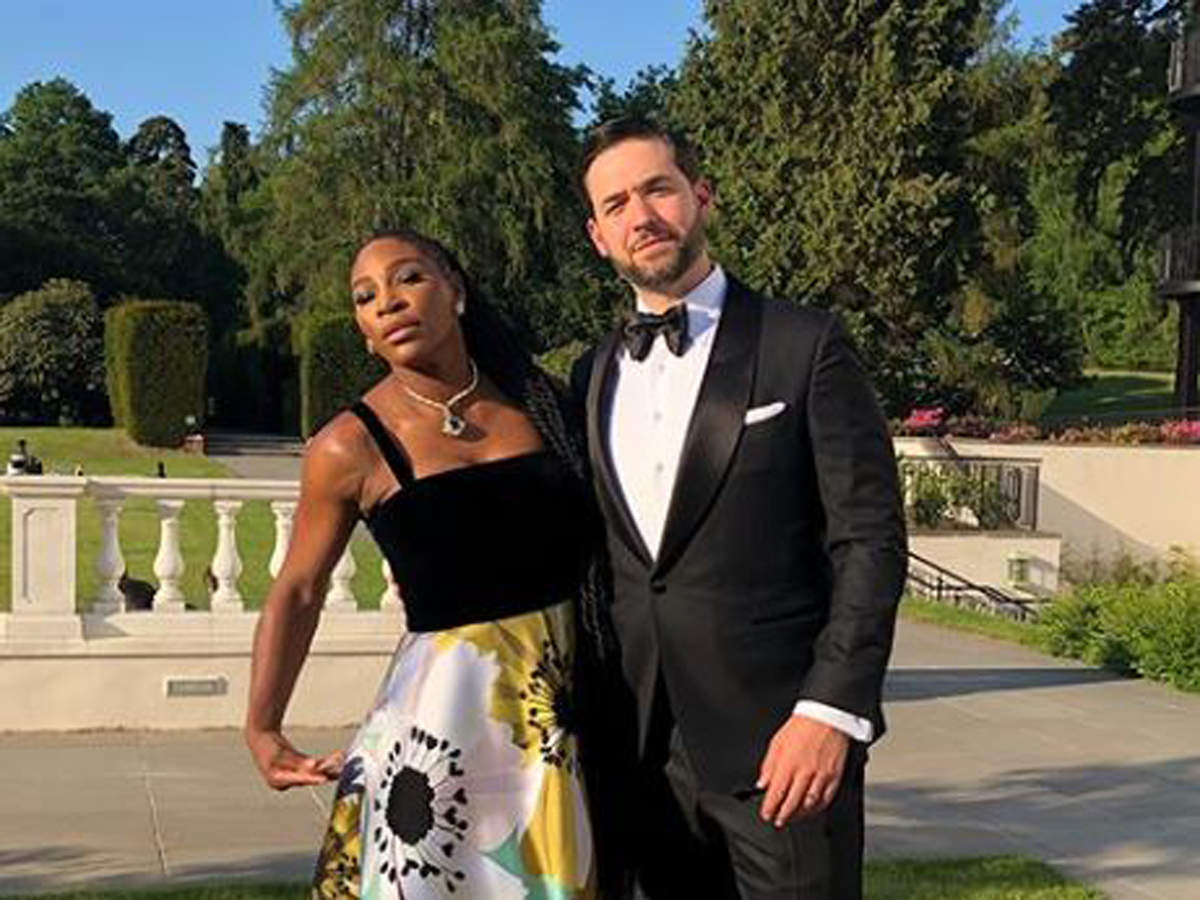 Serena Williams hug husband