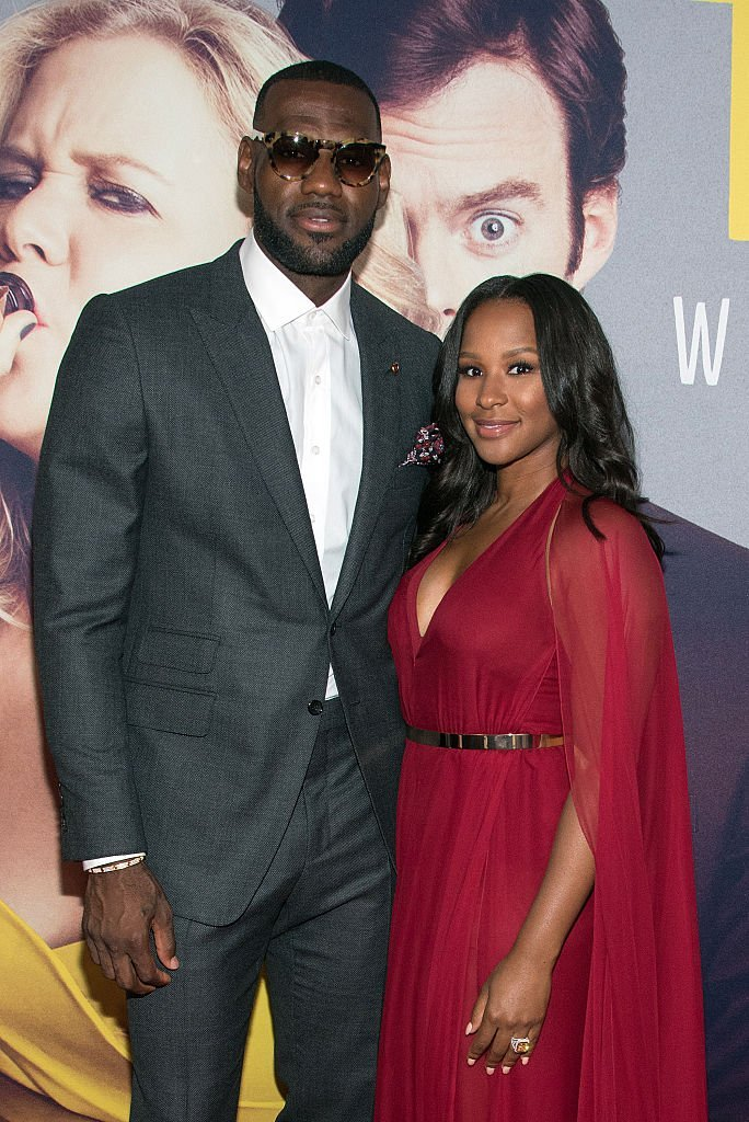 Lebron James with wife smile