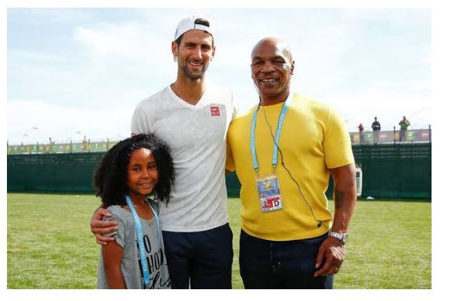 Novak Djokovic and Mike Tyson snap