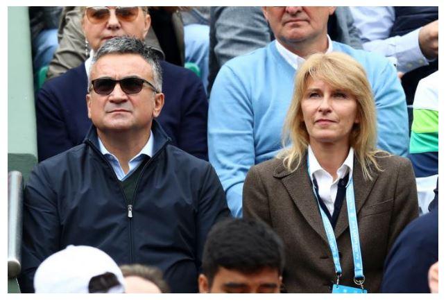 Novak Djokovic mother sitting