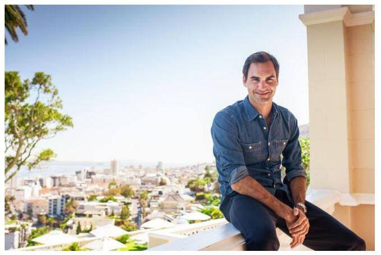 Roger Federer sitting
