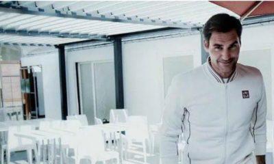 Roger Federer stand