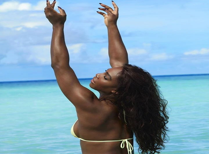 Serena Williams shows off