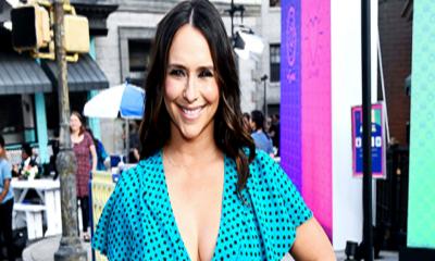 Jennifer Love Hewitt is pretty in turquoise polka dot dress