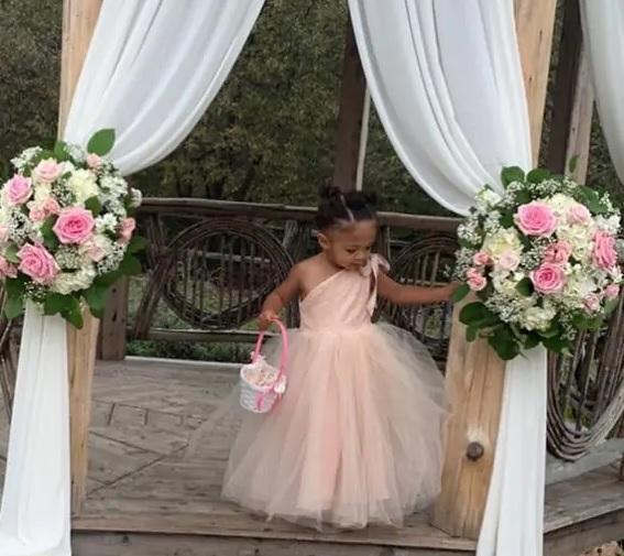 Flower Girl Olympia