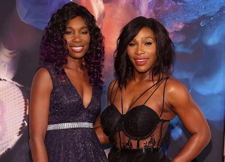 Serena and Venus Williams dancing