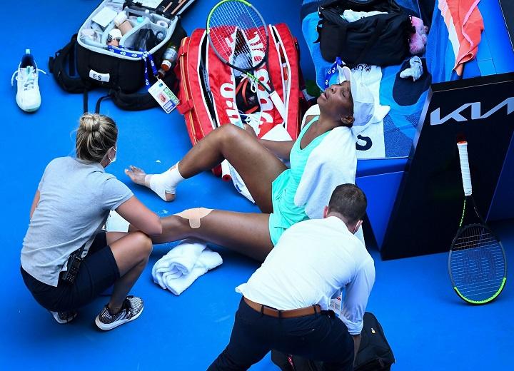 Venus Williams breaks down in tears during Austria Open
