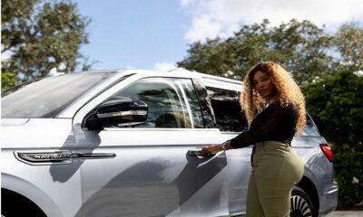 Serena Williams million dollars check